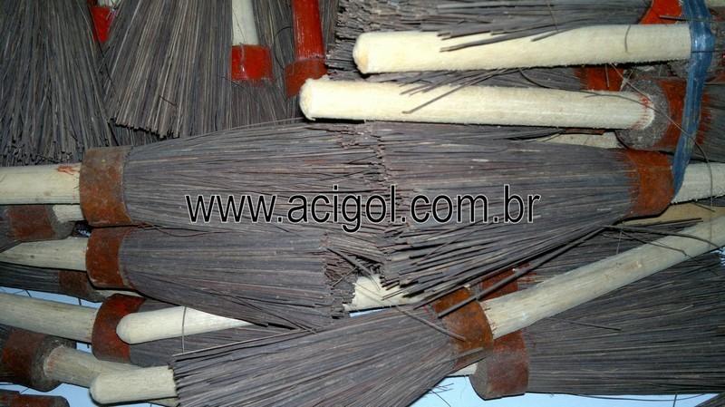 vassourinha de piassava-1001 utilidades-foto acigol 81 34451782-190520132796