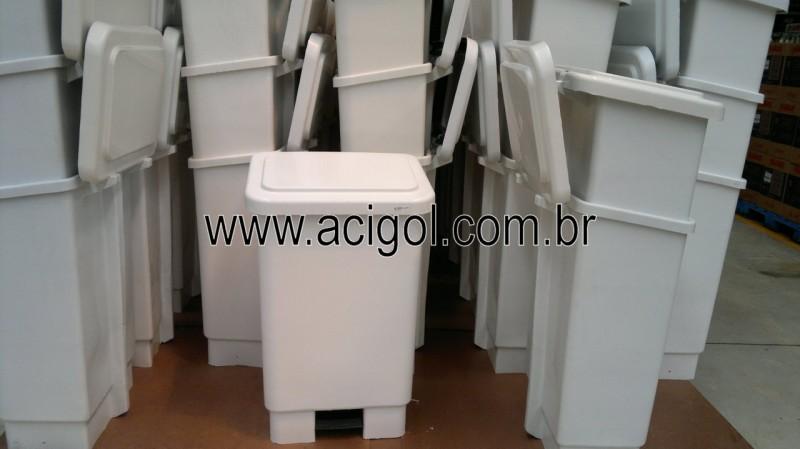 Lixeira com pedal MARFINITE-Foto Acigol Recife 81 34451782