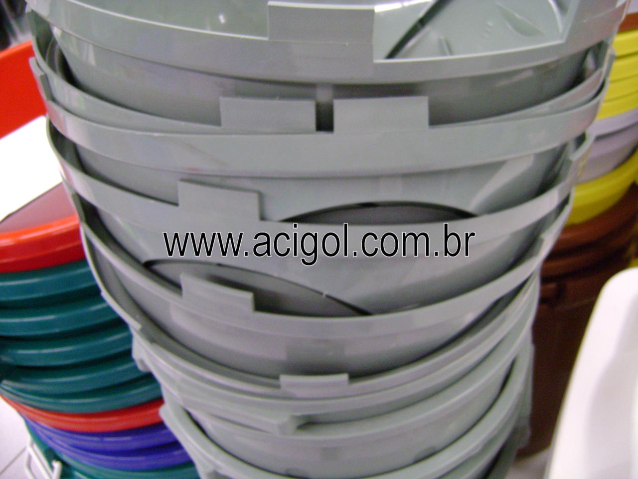 lixeira basculante 64 litros-Foto Acigol Recife 81 34451782