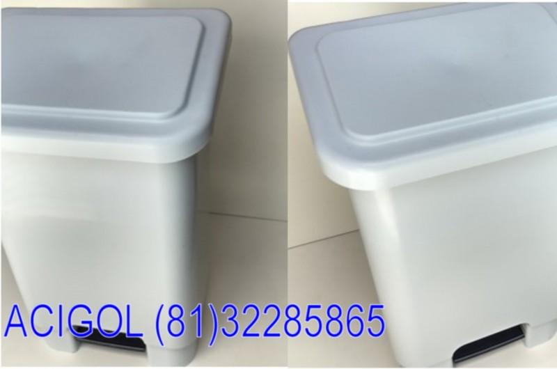 Lixeira branca com pedal 100 lt PP profesional-Acigol Recife 81 32285865-2608181219