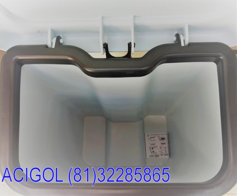 Lixeira branca com pedal 100 lt PP profesional-Acigol Recife 81 32285865-IMG_20180813_101516859